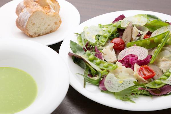 24種類の野菜と料理で世界を旅する《ボタニカルコース》全4品 6,000 円 (4名様から)